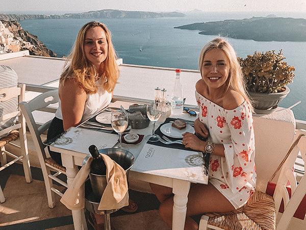 Uiteten Fira Santorini