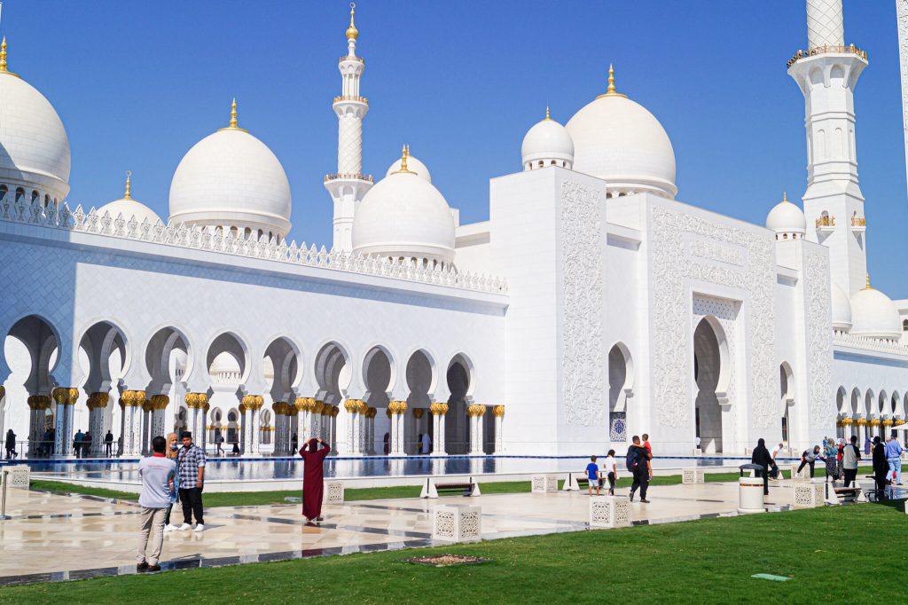 kleding moskee Abu Dhabi